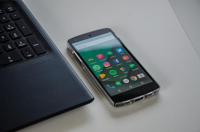smartphone-1701086_640